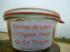 VERRINE DE LAPIN A L OIGNON ROUGE DE ST TROJAN