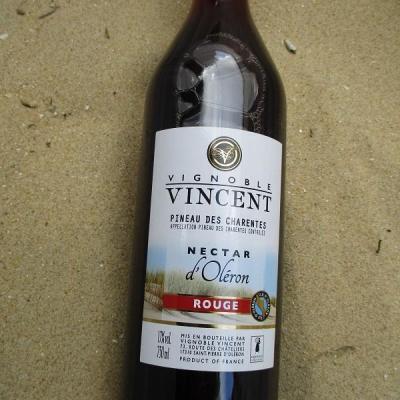 Pineau des Charentes rouge vignoble vincent